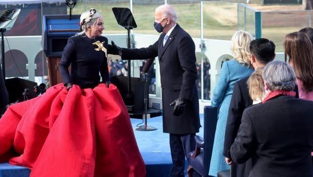 Gaga junto a Joe Biden.